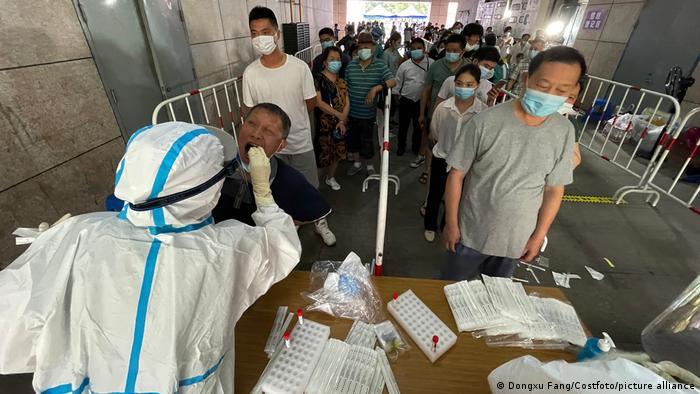 Dos regiones de China registran nuevos focos de covid-19