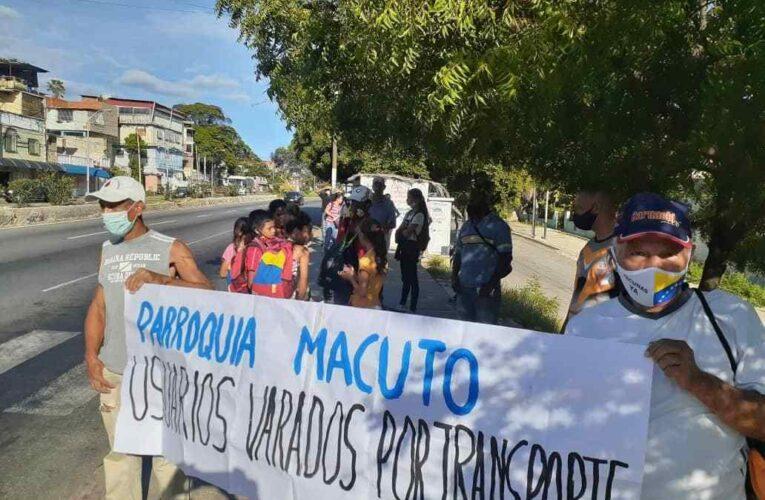 En varias parroquias reclamaron por la precariedad del transporte