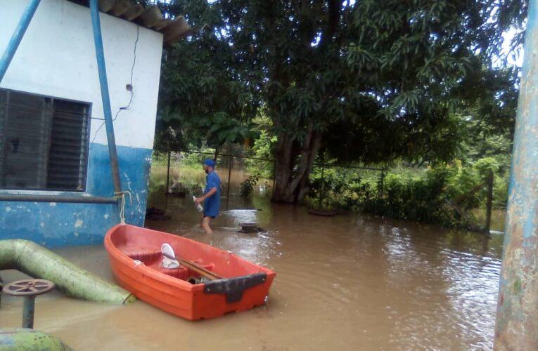 Crecida de 5 ríos en Guárico amenaza a más de 500 familias