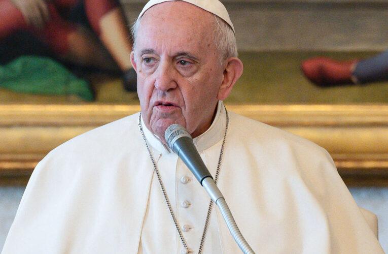 Interceptan carta con 3 balas dirigida al Papa