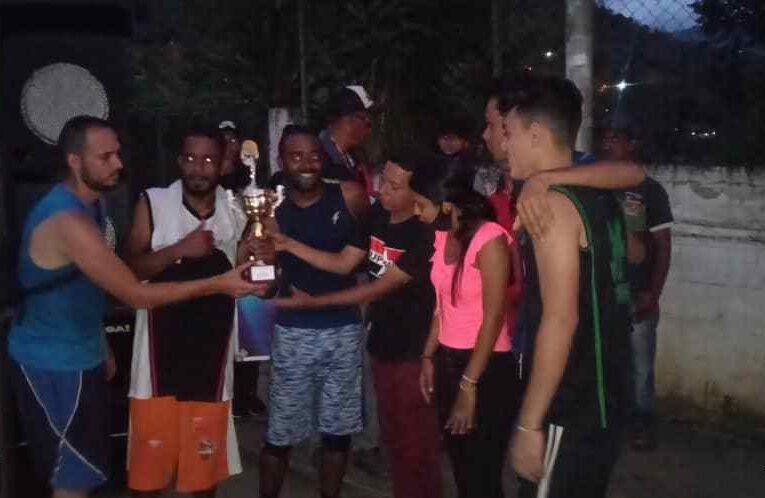 Tupamaro realizó jornada deportiva-recreativa en Carayaca