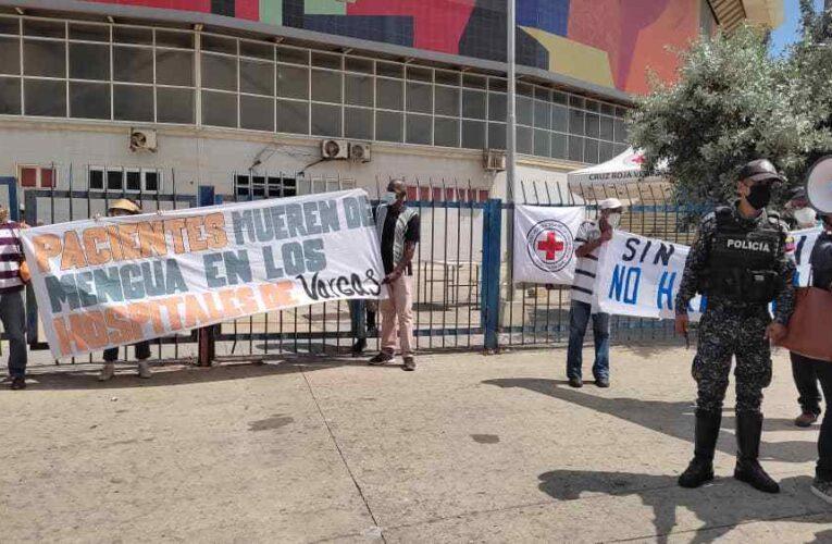 Continúan las protestas exigiendo segunda dosis de Sputnik-V