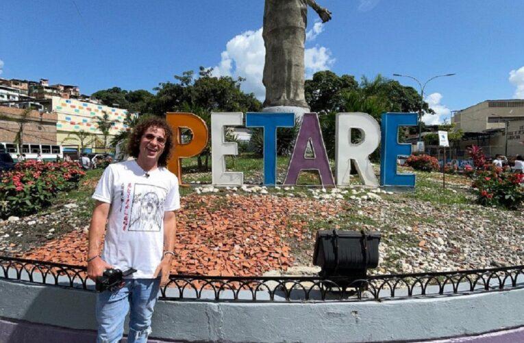 Valentina Quintero feliz con la visita de Luisito Comunica