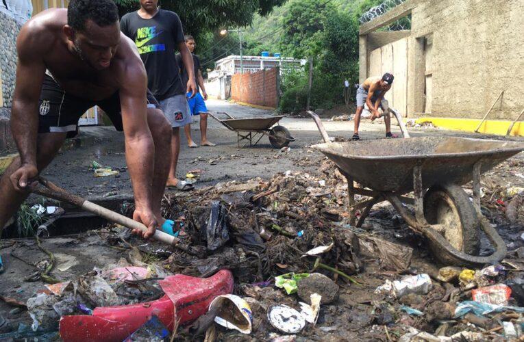 Lluvias dejaron damnificados en Naiguatá y Caraballeda