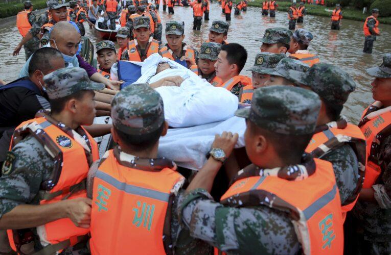 Las inundaciones dejan ya más de 300 muertos en China