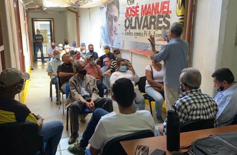 Olivares se reunió con representantes de 28 asociaciones de jubilados