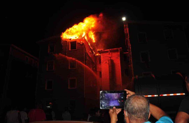 Las llamas consumieron dos apartamentos en el Hugo Chávez