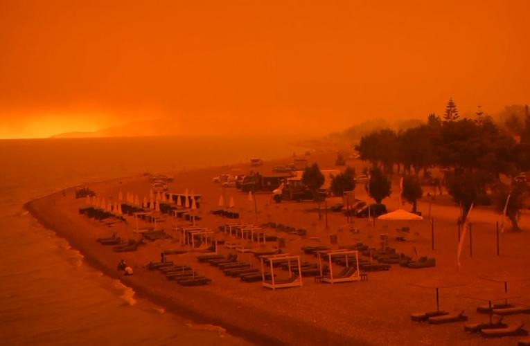 Devastadores incendios en Grecia, Turquía y Rusia