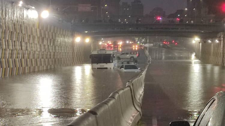 Lluvias colapsan varios sectores de Caracas