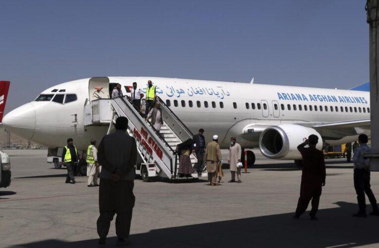 Aeropuerto de Kabul reanuda vuelos internos