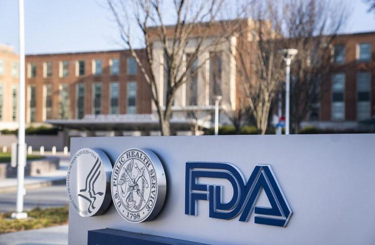 FDA rechazó tercera dosis para menores de 65 años sin morbilidades
