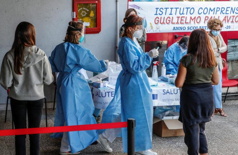 Italia comenzó a administrar tercera dosis