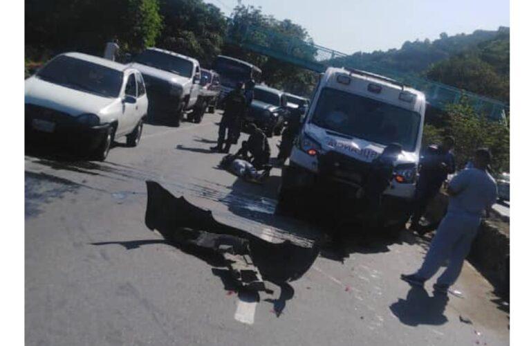 Chocó ambulancia que atendía emergencia en Macuto