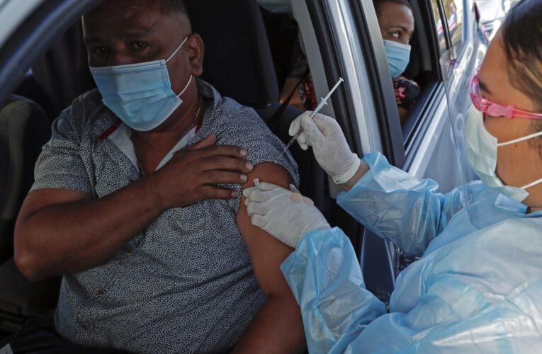 Panamá vacunará a turistas desde octubre