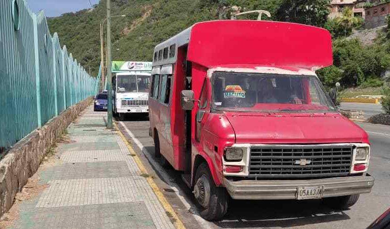 70 litros que recibe transporte público no son suficientes