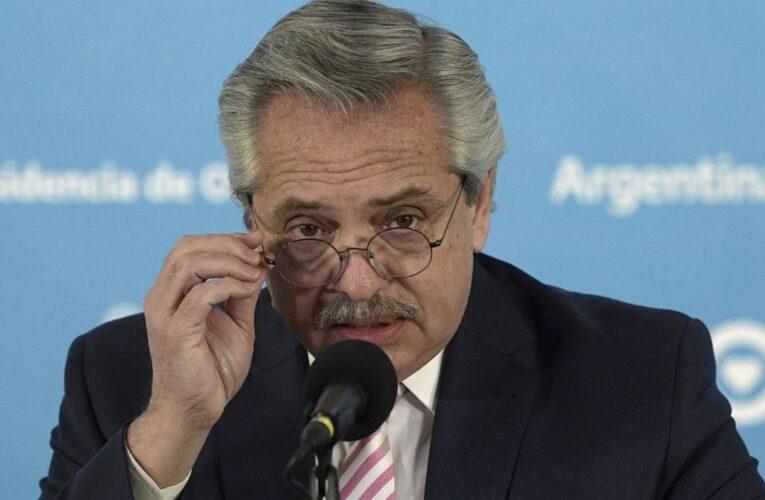 Fernández anuncia cambios en el gobierno tras derrota electoral