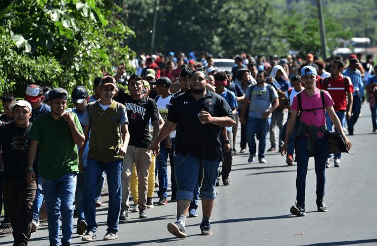 Caravana migrante avanza por México a EEUU