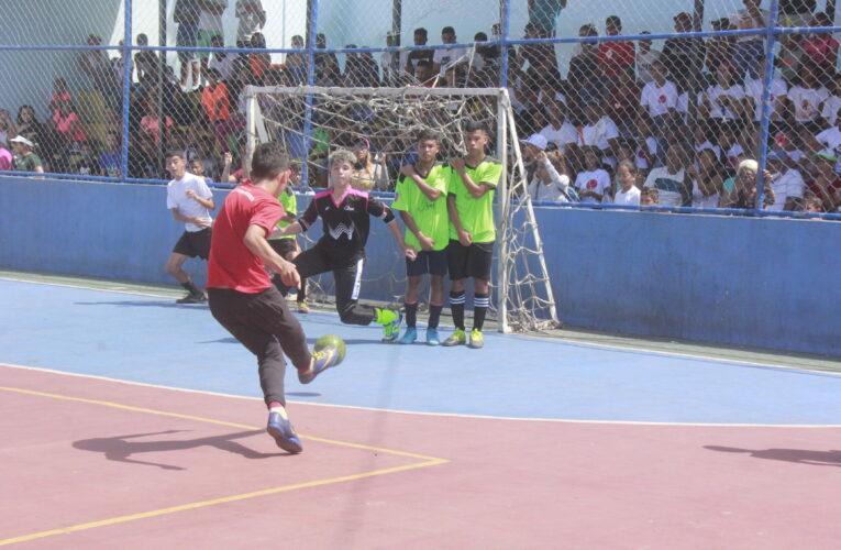 Memes Sport y Cristo Reina triunfadores en el futsal comunitario