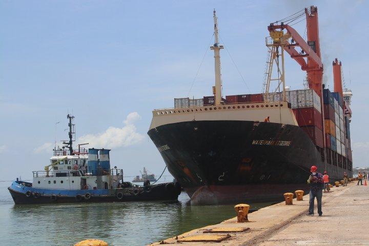 Más de 2.2 millones de toneladas movilizó Bolipuertos de enero a agosto