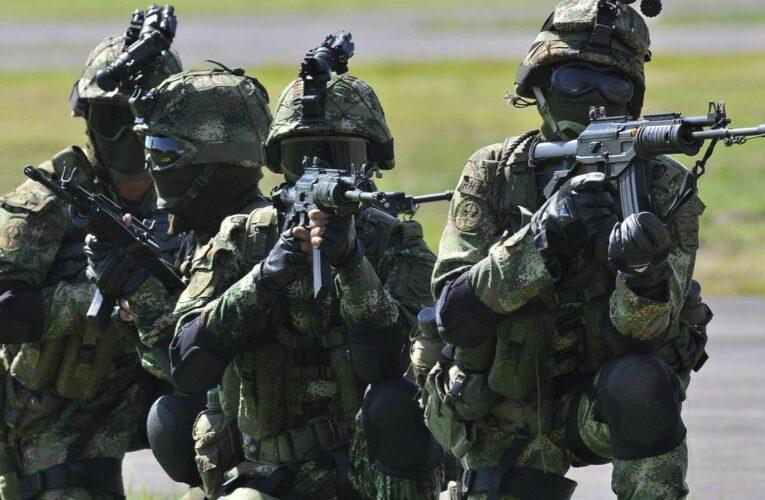 Ejército colombiano enviará 300 soldados a frontera con Venezuela para combatir a la guerrilla