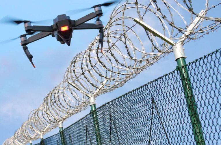 Atacan con drones una cárcel en Ecuador
