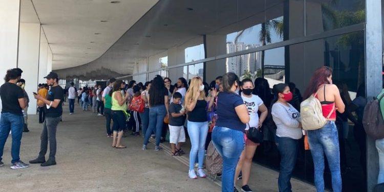 Más de 200 familias venezolanas recibieron ayuda humanitaria en Brasil