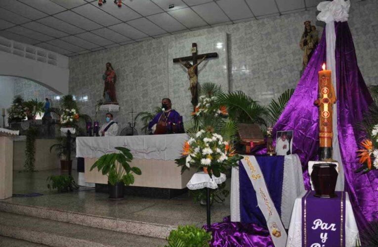 Con última misa de exequias despiden al diácono Rafael Carpio