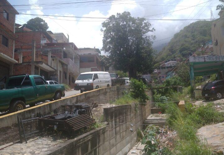Sectores de La Guaira quedaron sin luz por dos horas