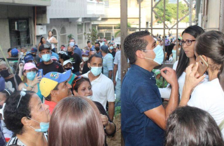 Olivares se reunió con vecinos de Carlos Soublette y Urimare