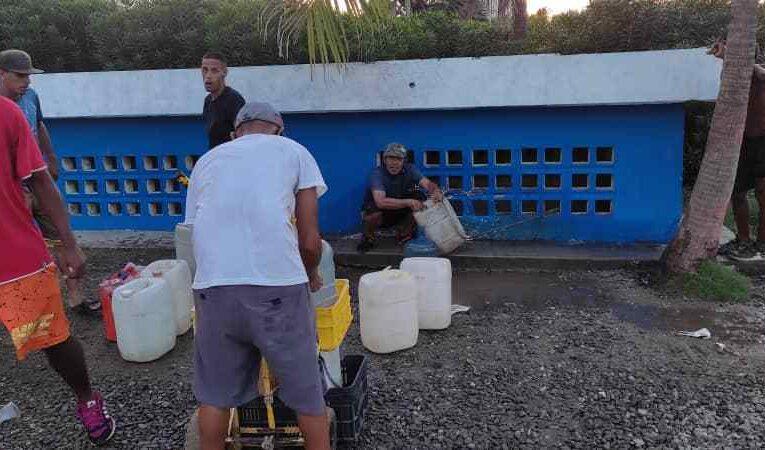 Un mes sin agua tiene La Guaira