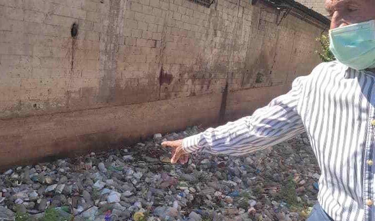 Desechos llegarán a la vía por falta de limpieza en quebradas de Pariata