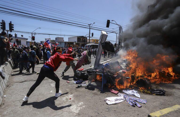 ONU califica de inadmisible humillación el ataque a migrantes venezolanos en Chile