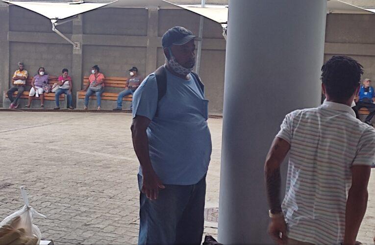 Costeños viajan por Higuerote para hacer compras en Caracas