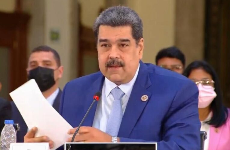 Maduro: Venezuela está lista para debatir sobre democracia