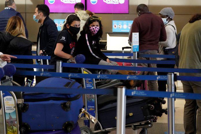 EEUU multará con $3 mil a pasajeros sin tapabocas