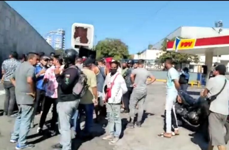 Protestaron en Maiquetía por fallas en suministro de gasolina