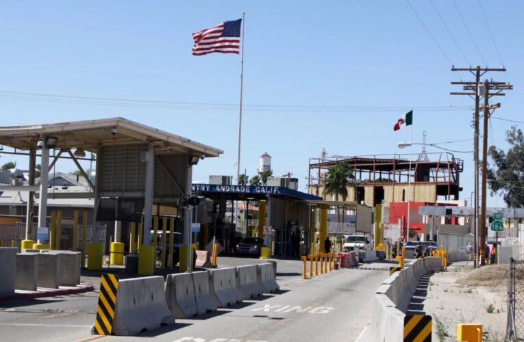 México celebra reapertura de frontera con EEUU