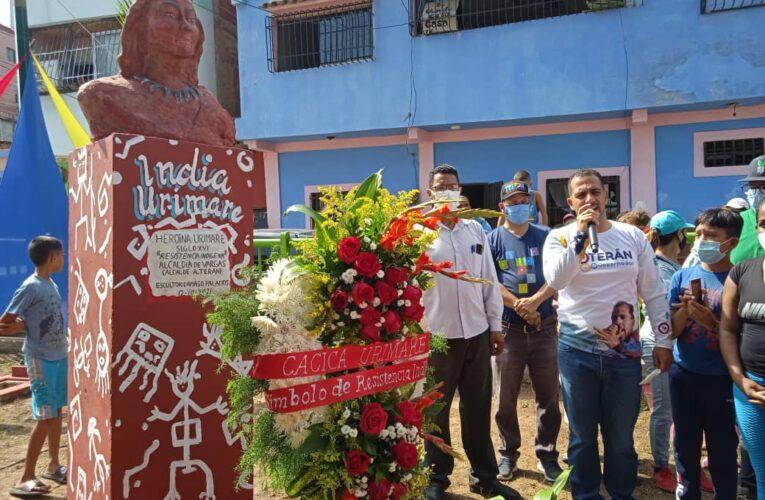 Develan busto de la india Urimare