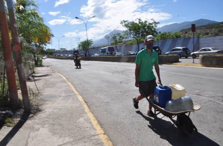 Sin agua mas de 150 familias de la Páez
