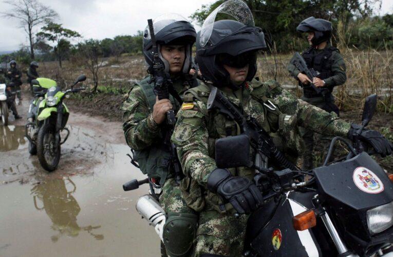 Colombia despliega 14.000 soldados en la frontera con Venezuela