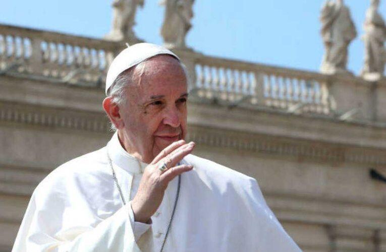 Papa Francisco: No se puede vivir de subsidios
