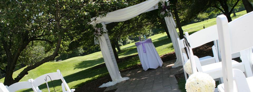 award winning outdoor wedding ceremony location in ann arbor