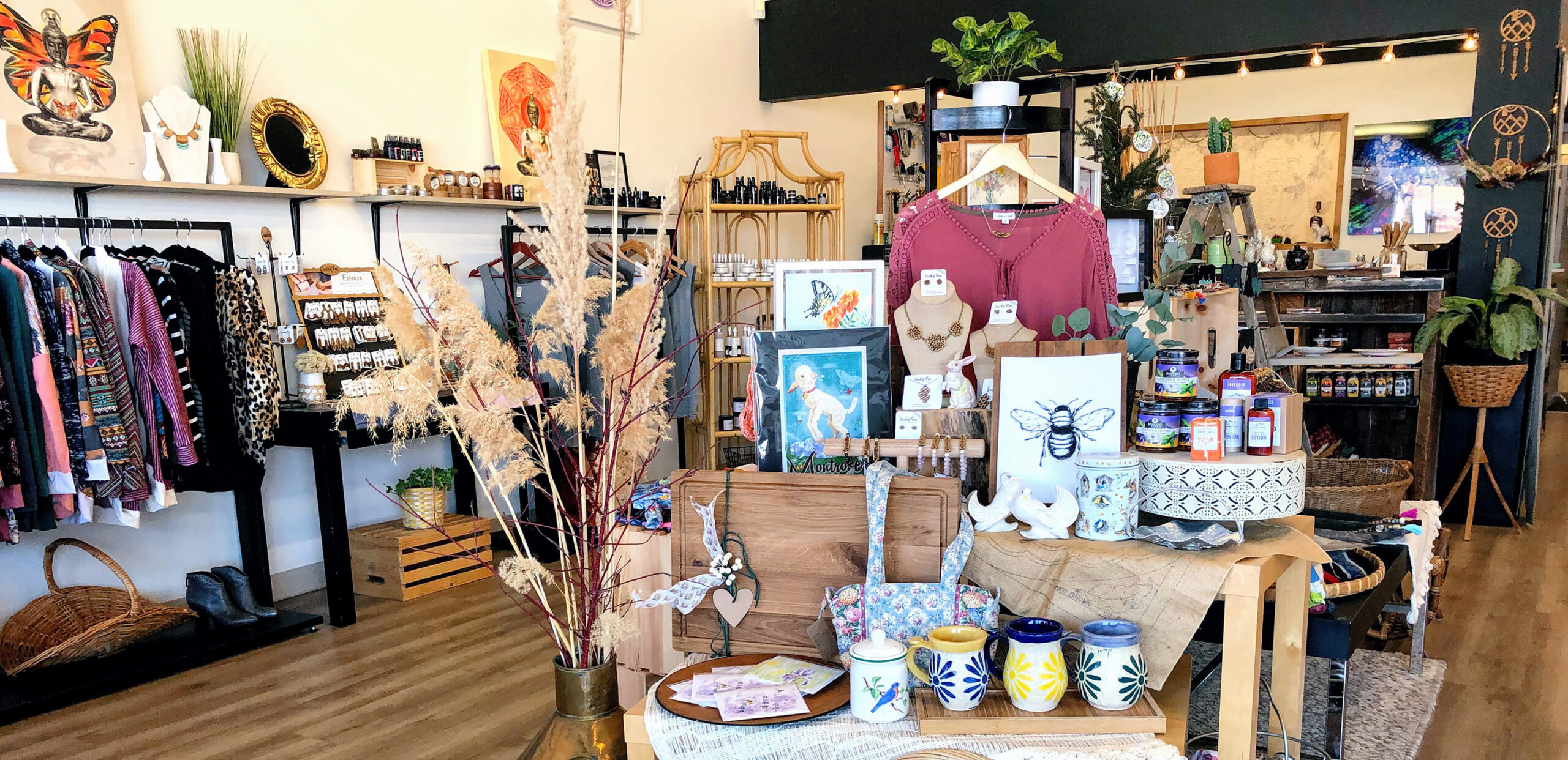 handmade and vintage boutique and gallery in montrose, colorado