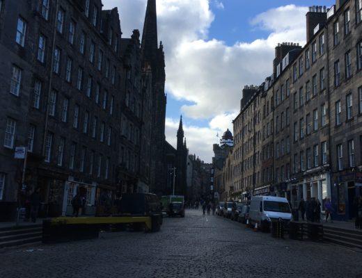 Living the Tourist Life: Savour or Skip It in Edinburgh