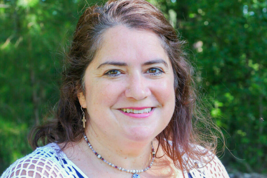 Jayna DiGenova is a teacher and leader at Learn Together Lowcountry homeschool co-op in Bluffton SC