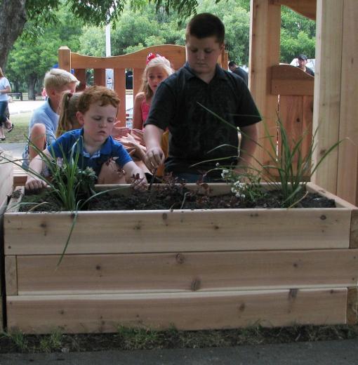 4-garden-planter