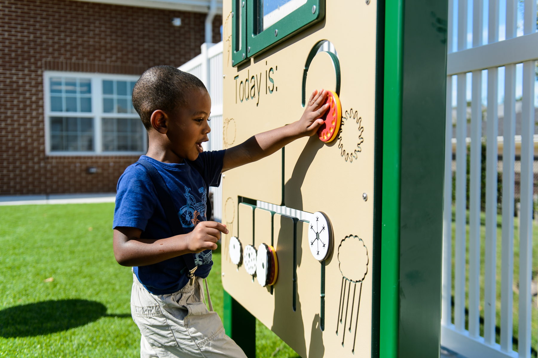 The-Goddard-School-MD-Science-Math-Pre-School-Weather-Station-View-07