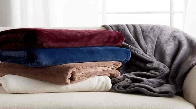 Fleece-blanket-features