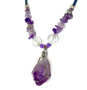 purple crystal neckless