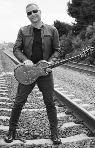 Tommy Fedak plays Zemaitis Guitars